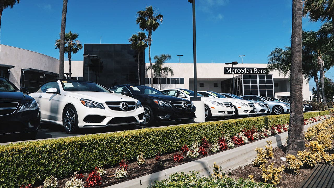 Mercedes Benz Car Dealership