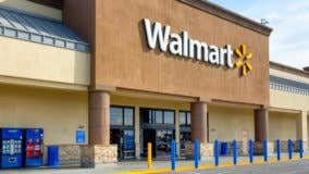 Wal-Mart offers cash tax refunds