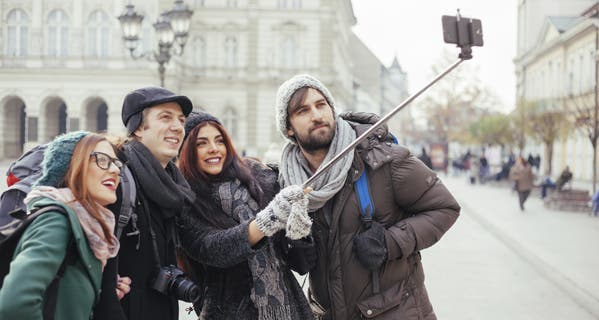 insurance-blog-the-hidden-danger-of-selfie-sticks