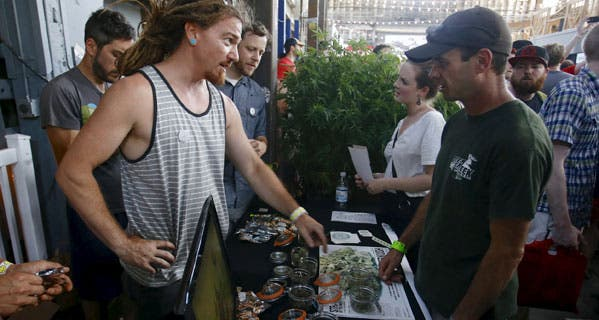 Vendors and marijuana enthusiasts gather to celebrate the legalization of recreational use of marijuana in Portland. © STEVE DIPAOLA/Reuters/Corbis