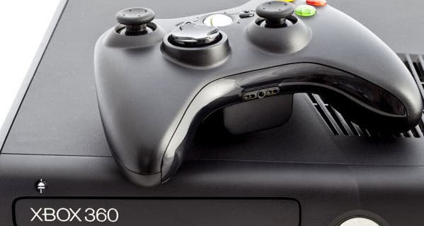 economics-blog-xbox-360-console-and-controller