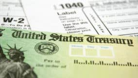 Should filers be prodded to save tax refunds?
