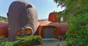 The 'Flintstones House' | Realtor.com
