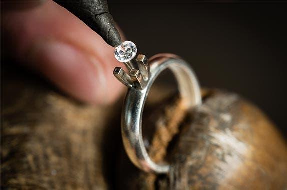 What you shouldn't buy in September © Jan Faukner/Shutterstock.com
