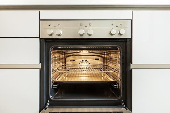Large home appliances © alexandre zveiger/Shutterstock.com