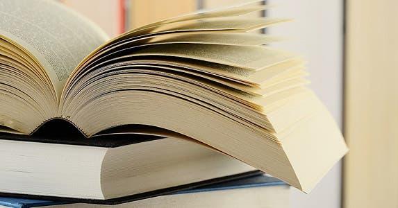 Books © monticello/Shutterstock.com