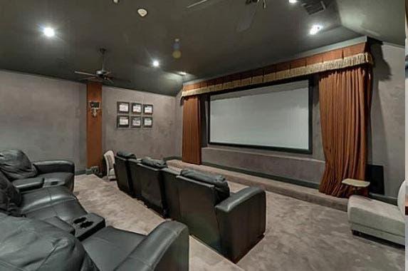 Chuck Norris sells Dallas home | Realtor.com