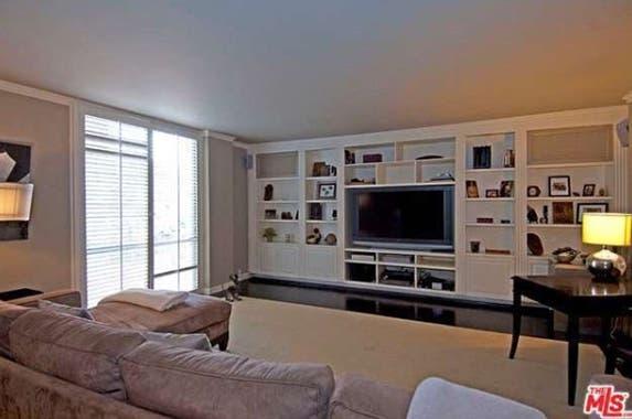 Livingroom 2 Realtor.com