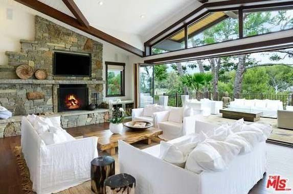 Singer Pink selling Malibu home | Realtor.com