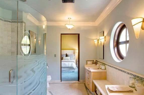 Robin Williams' villa sells at a deep discount | Realtor.com