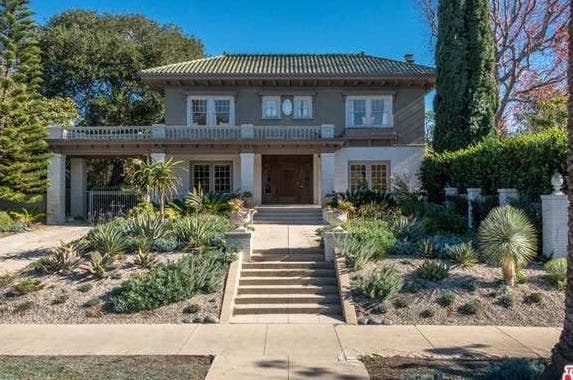 'Monk' star Tony Shalhoub sells his vintage LA home | Redfin.com