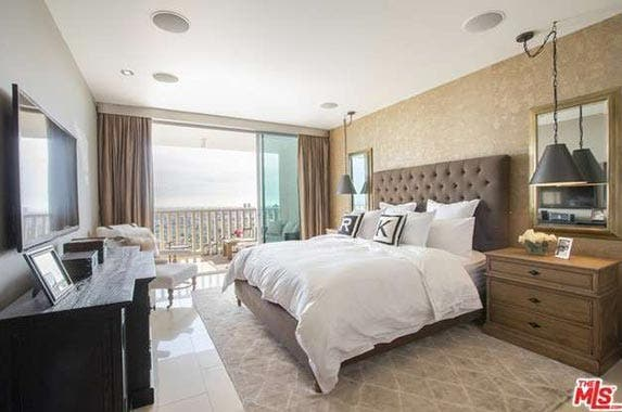 Celeb house sold robert herjavec of 39 shark tank - 8 bedroom homes for sale in los angeles ...