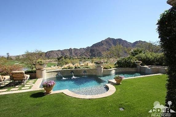 Tony Robbins selling desert home | Realtor.com