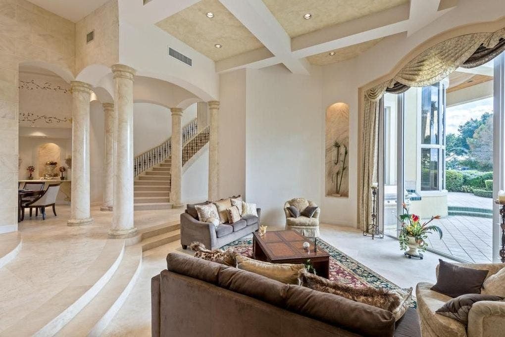 Ben Carson's house for sale: Living room | Realtor.com