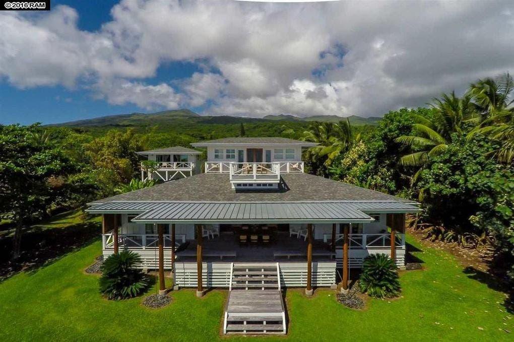 Pat Benatar selling home: exterior | Realtor.com