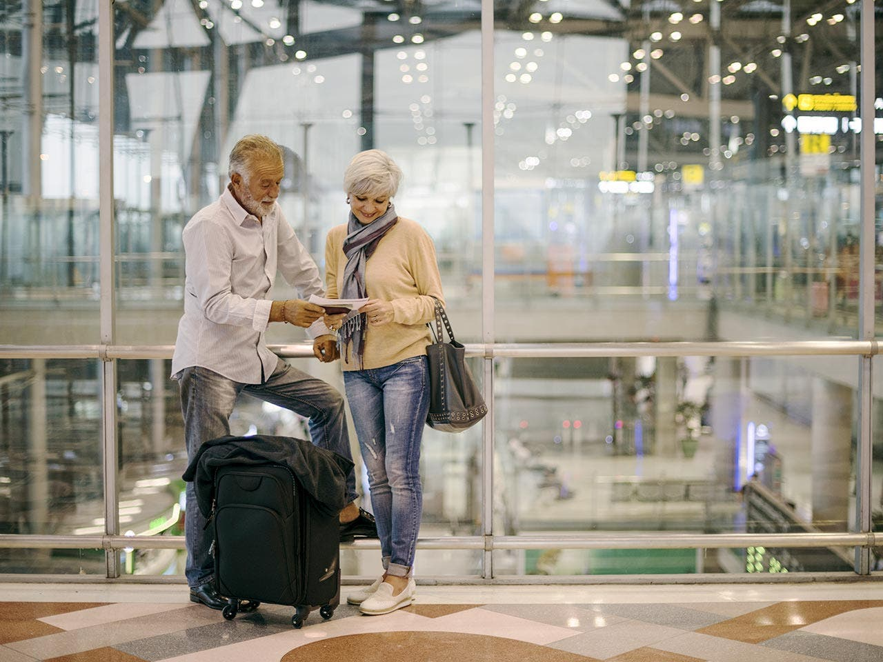 Luggage | Rawpixel.com/Shutterstock.com