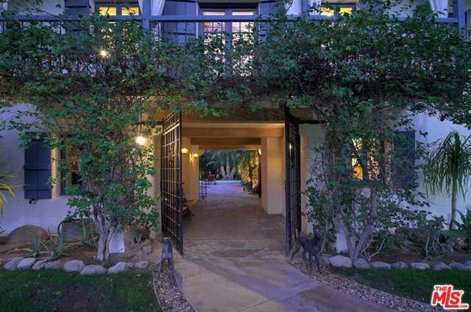 Cary Grant's house: Entry | Redfin
