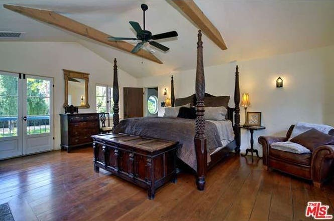 Cary Grant's house: Bedroom   Redfin