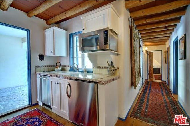Cary Grant's house: Studio kitchen   Redfin