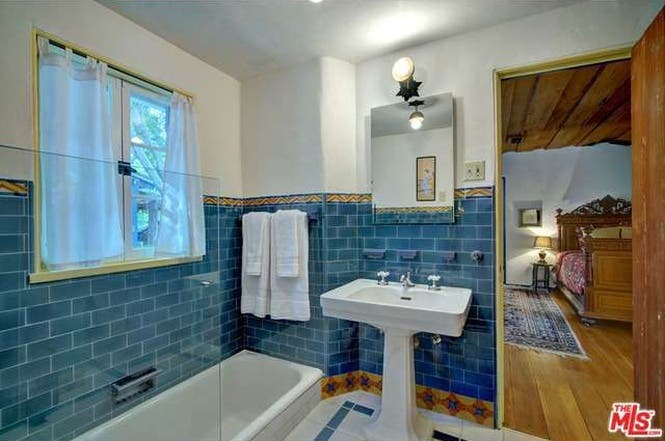 Cary Grant's house: Bathroom | Redfin