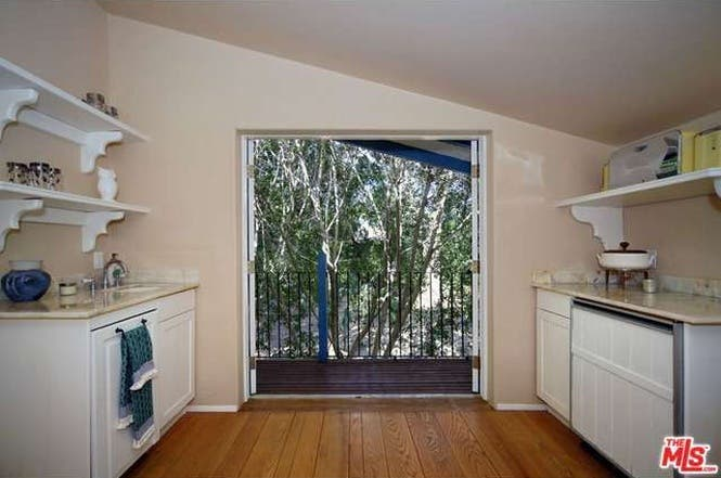 Cary Grant's house: Guesthouse  Redfin