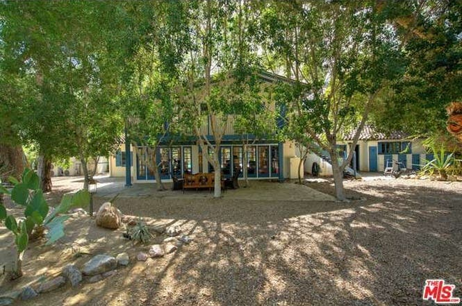 Cary Grant's house: Backyard   Redfin