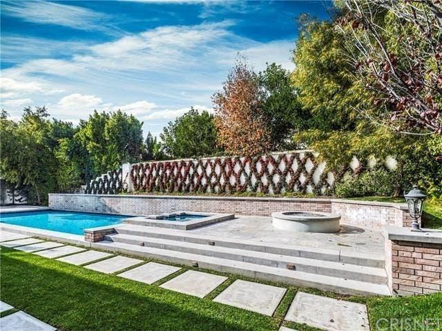 Poolside | Realtor.com