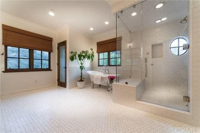 Shower | Realtor.com