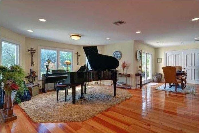 Grand piano | Realtor.com