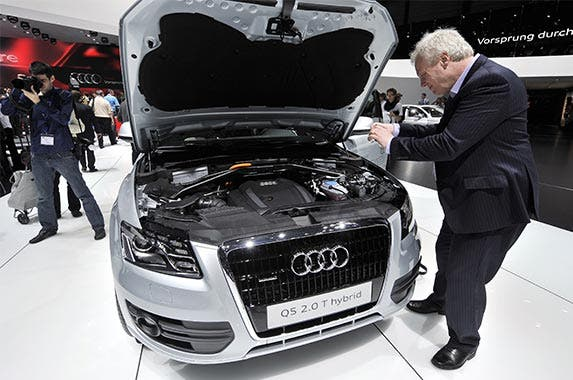 Cheaper-to-own hybrids | FABRICE COFFRINI/Getty Images
