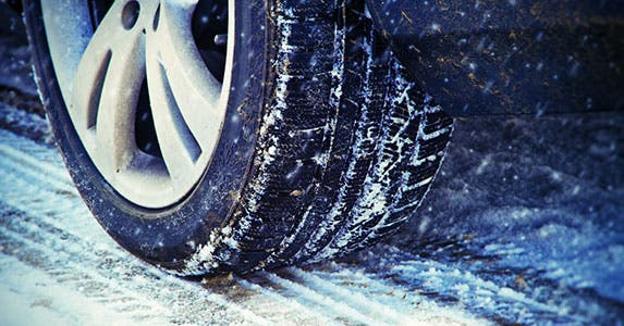 Check the tire treads for traction © Juergen Faelchle/Shutterstock.com
