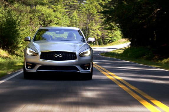 Top 7 large luxury cars that keep you safe © Infiniti