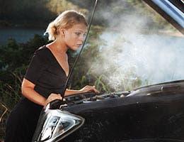 Don't drive after your car overheats © Ersler Dmitry/Shutterstock.com