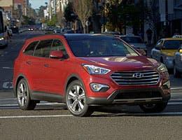 2013 Hyundai Sante Fe © Stuart Miles/Shutterstock.com