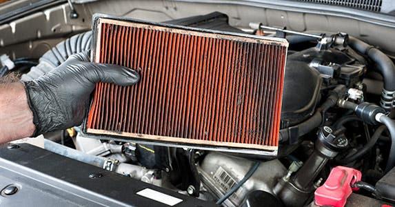 Air filter © Joe Belanger/Shutterstock.com