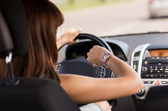 Timing Keep track of how long you've been driving | © Syda Productions Shutterstock.com