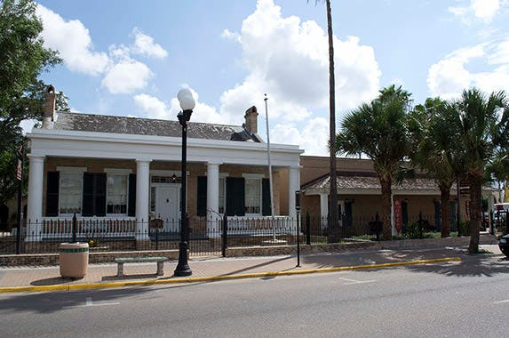 Brownsville, Texas Photo by 25or6to4