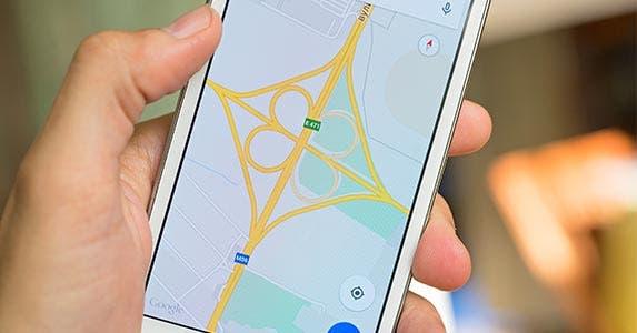 Credit unions have fewer locations © Roman Pyshchyk/Shutterstock.com