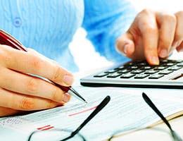 Look for no minimum balance requirements © kurhan/Shutterstock.com