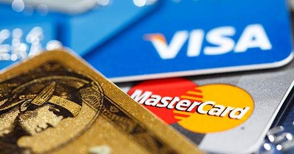 Be savvy with credit cards © iStock