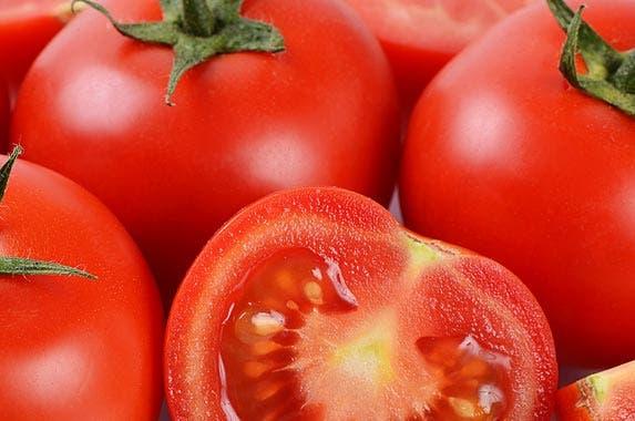 Tomatoes © Voronina Svetlana/Shutterstock.com