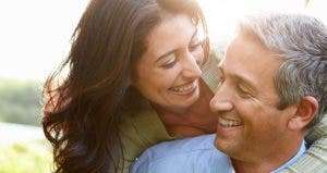 Closeup of smiling couple in their 40s © Monkey Business Images/Shutterstock.com