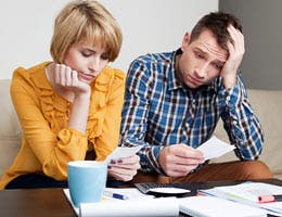 Merging finances: No ideal method © Baranq/Shutterstock.com