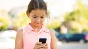 Should you give your kid a smartphone?