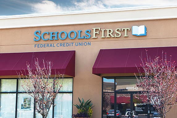 SchoolsFirst Federal Credit Union © iStock