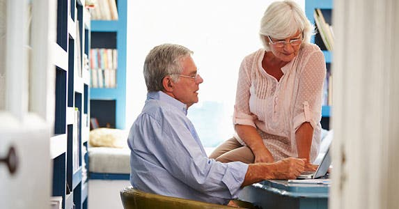 Make smart decisions about collecting Social Security © iStock