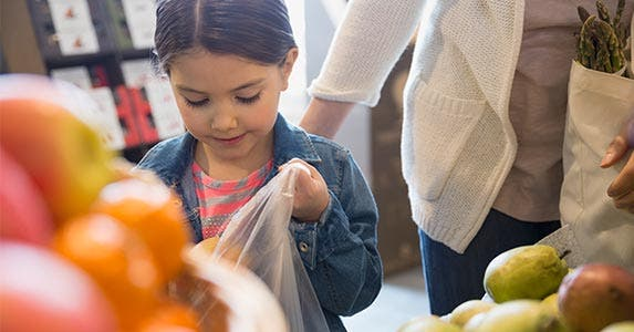 Produce savings in the bag | Hero Images/Getty Images