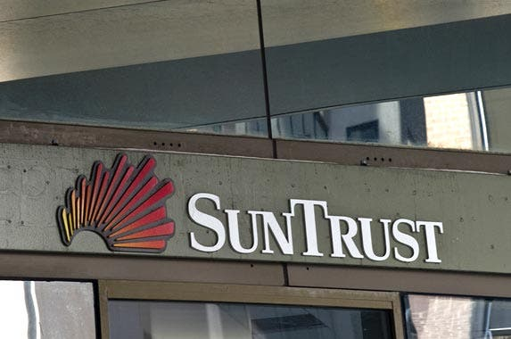SunTrust Bank | NICHOLAS KAMM/AFP/Getty Images