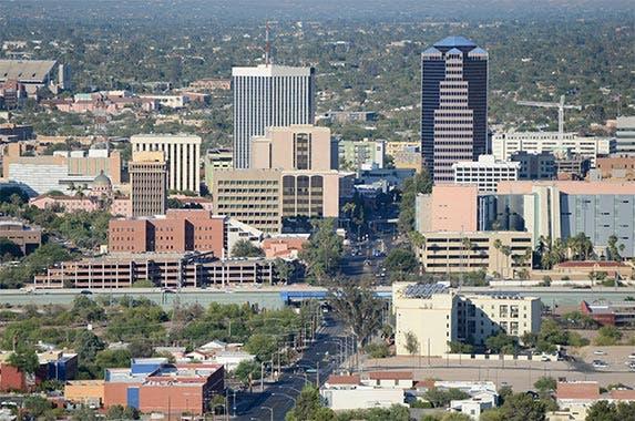 Arizona © Jerry Horbert/Shutterstock.com