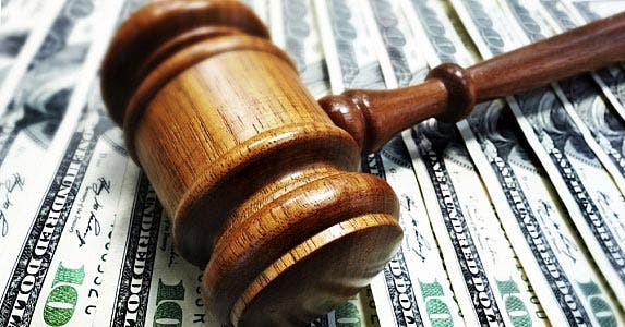 Protection from lawsuits © iStock